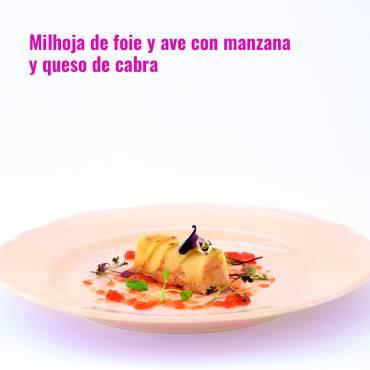Milhoja de foie y ave con manzana y queso de cabra