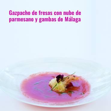 Gazpacho de fresas con nube de parmesano y gambas de Málaga